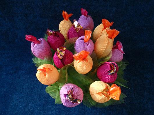 Цветы с конфетами своими руками для начинающих